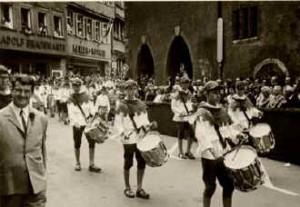 Der erste Schützentrommler-Jahrgang am Rutenfest 1968